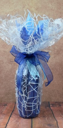 WRAPfinery - Mens Bottle Wrap Blue with Cellophane
