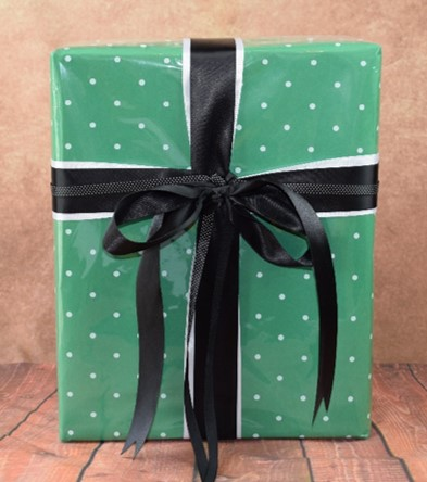 WRAPfinery - Mens Green with White Dot Cellophane