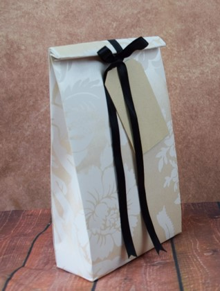 WRAPfinery - Womens Cream with Black Giftbag